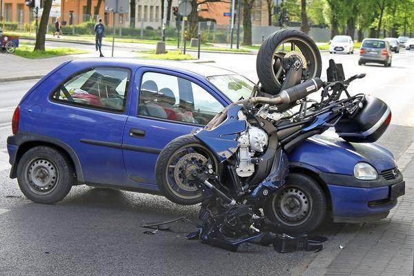 skup samochodów uszkodzonych poznań