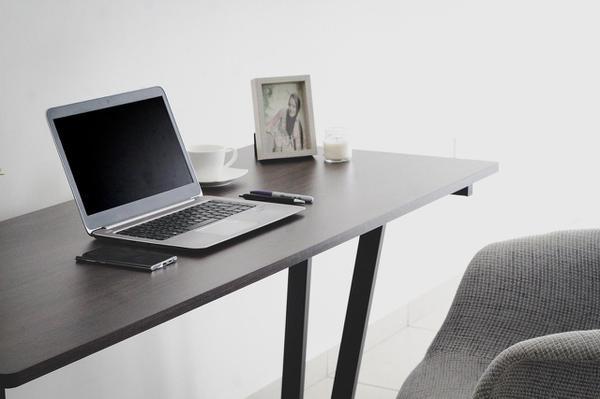 biurka do pracy zdalnej
